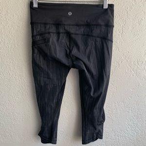 LULULEMON 4 cropped leggings